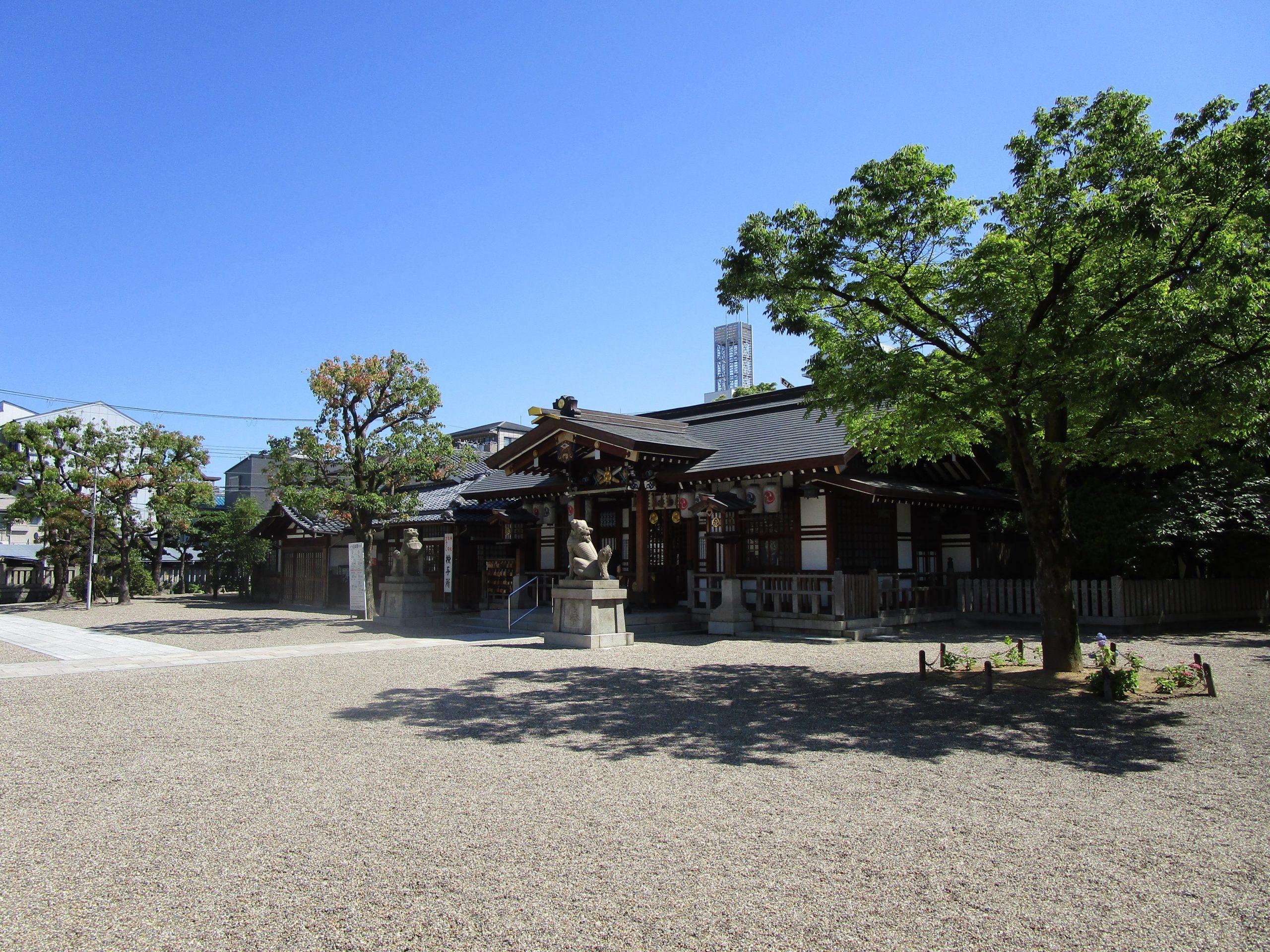 三社神社の写真